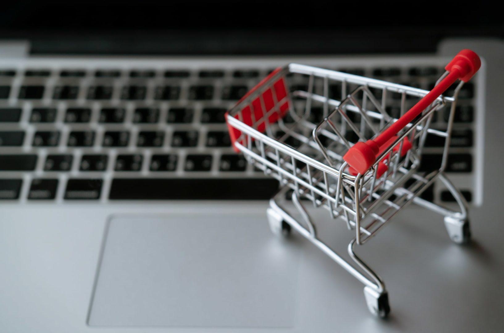 Comment-creer-une-boutique-en-ligne-rentable-en-10-points-hurtersolutions