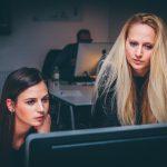 Doit-on passer par une agence web ou un freelance pour la création de son site internet ?